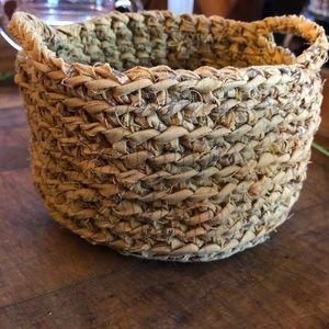 Vtg handmade crocheted rag/ribbon woven basket